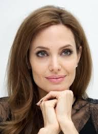 "Angelina Jolie e Brad Pitt a nozze: lui ""paparazzato"" con la fede"