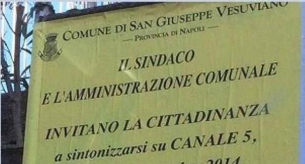 San Giuseppe Vesuviano,manifesti per invitare i cittadini a vedere uomini e donne