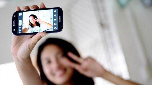 Chi è ossessionato dai selfie potrebbe soffrire di un disturbo psicologico