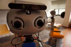 Robot per aiutare gli anziani nella vita quotidiana