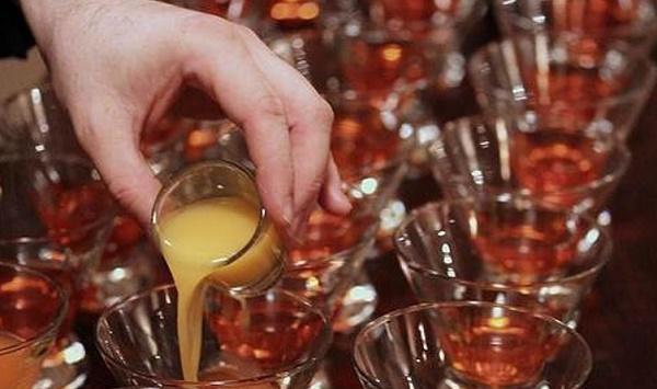 Alcol i futuri papà non devono bere