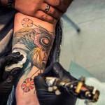 Tatuaggi e piercing uno su quattro rischio epatite
