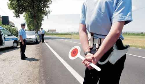 Sanzione penale e depenalizzazione per guida senza patente