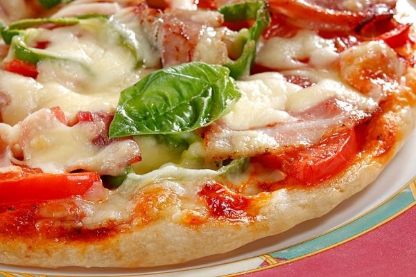 Napoli, pizzeria fa causa a Google per danni da 1mln di euro