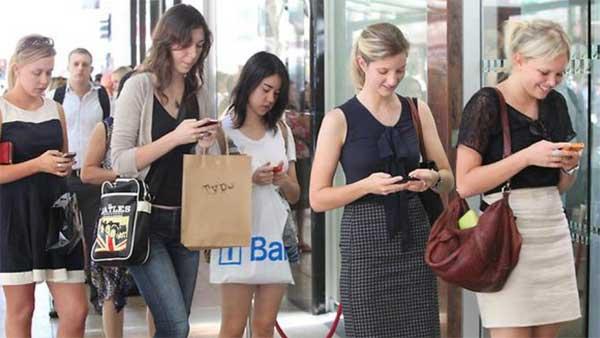 Smartphone meglio di un amico per il 37% degli utenti