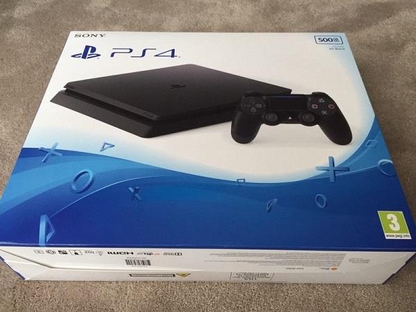 PS4 è davvero Slim, ecco la prova
