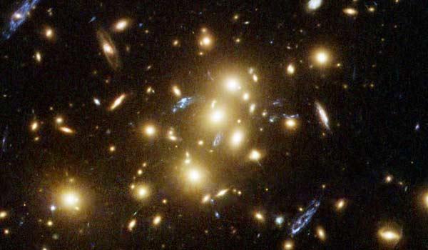 La lente gravitazionale per studiare l'universo bambino